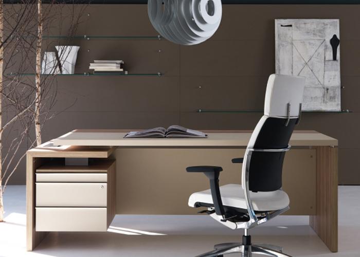 Scrivanie direzionali punto quattro arredamenti office for Scrivanie direzionali
