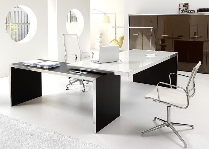 Scrivanie direzionali punto quattro arredamenti office for Scrivanie direzionali ufficio