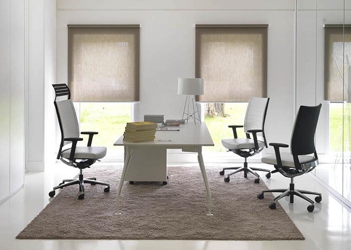 Poltrone direzionali punto quattro arredamenti office for Poltrone ufficio direzionali
